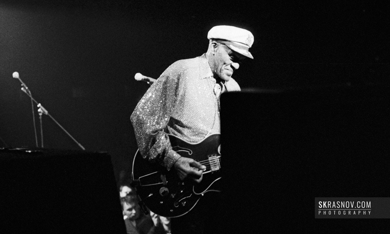 "Chuck Berry performing ""Johnny B. Goode"". Чак Берри, музыкант © Sasha Krasnov - Portrait Photographer"