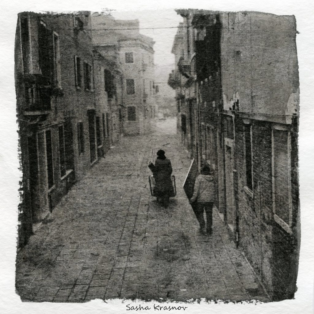 The Artists, Venice. Street photography print on Hahnemuhle watercolor paper, Fomaspeed liquid emulsion © Sasha Krasnov