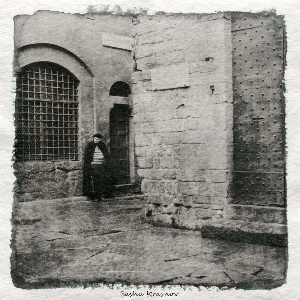 The Strange man, Florence. Hahnemuhle Torchon 275g watercolor paper, Fomaspeed liquid photographic emulsion © Sasha Krasnov