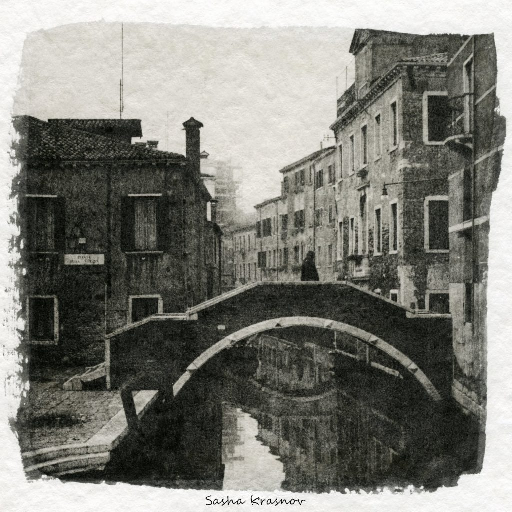 The bridge. Venice // Photography print © Sasha Krasnov