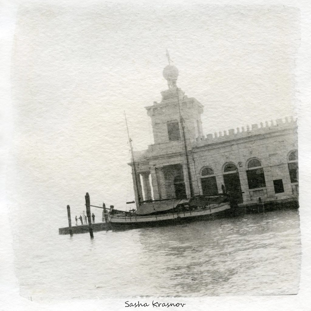 The Fog. Venice // Photography print © Sasha Krasnov