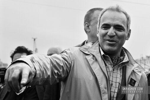 Garry Kasparov, chess grandmaster and former World Chess Champion with son © Sasha Krasnov Photography
