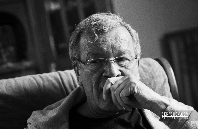 Viktor Erofeyev, writer during an interview © Sasha Krasnov Photography